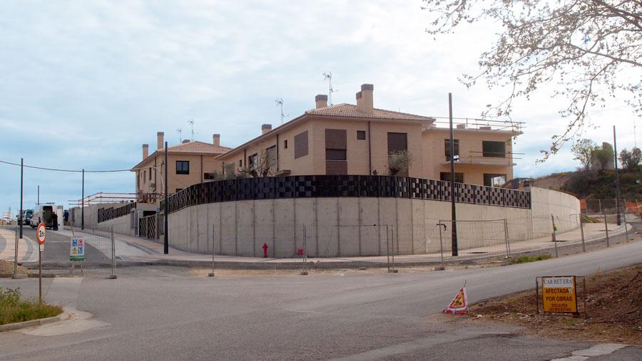 Casas pareadas, adosadas e independientes en C/Obispo Abar de Barbastro