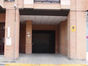Garaje y trastero en calle Teruel 13 de Barbastro